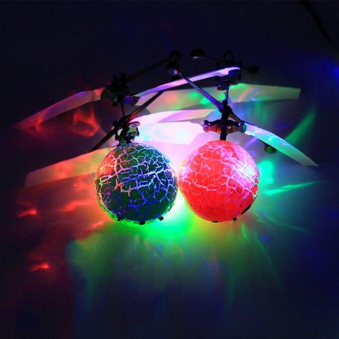 Cadeau de noël Rechargeable RC Ballon Jouet RC Hélicoptère Boule Shinning LED pour Enfants Coloré de Parcelles Enfants Jouets TSLM1 3